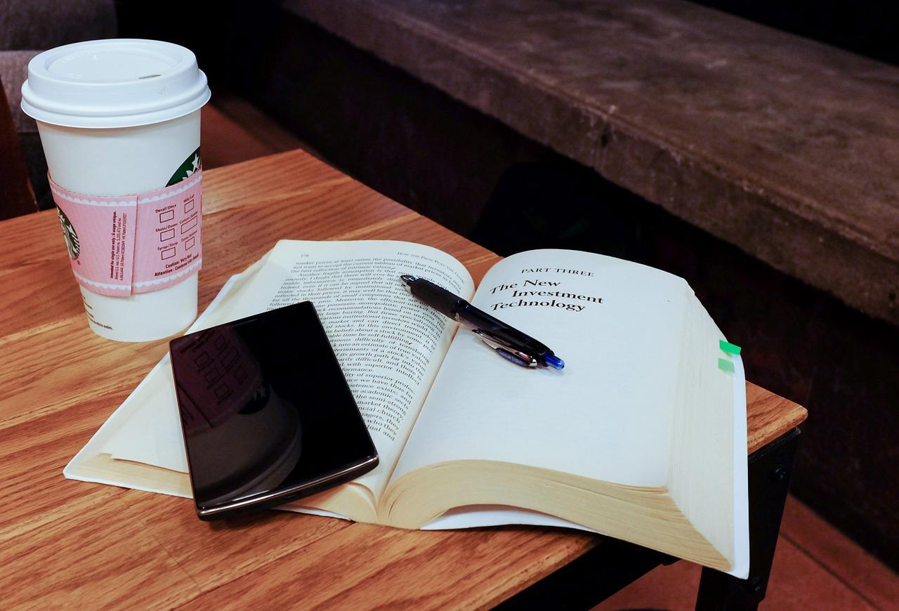 Cellulari in classe: strumenti di distrazione o di apprendimento?