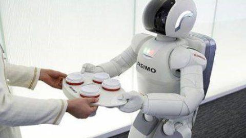 UN ROBOT POTRà MAI SOSTITUIRE LA MANO UMANA?
