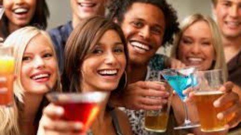 Perchè l'alcool è cosi richiesto dai giovani?