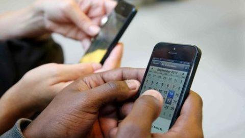 E' giusto l'uso dei cellulari a scuola?