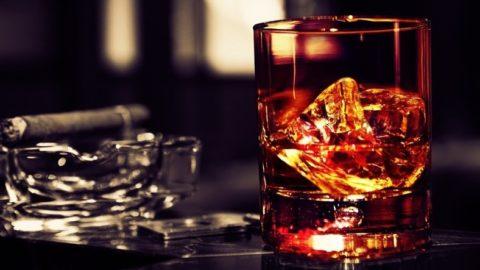 PER DIVERTIRSI BISOGNA BERE ALCOLICI?