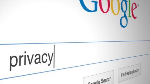 Scheletri nell'armadio online: una legge per renderci fantasmi del web