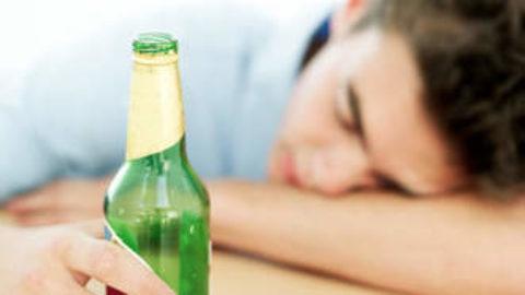 Nuova ideologia di divertimento:alcol