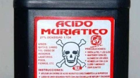 Una barbara arma: l'acido muriatico.