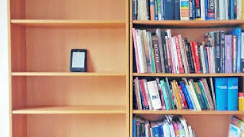 L'EMOZIONE DI UN LIBRO VS FREDDEZZA DI UN E-BOOK?