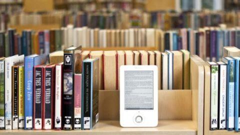 LIBRI DI CARTA O E BOOK . CHI VINCERÀ LA SFIDA DEL FUTURO?
