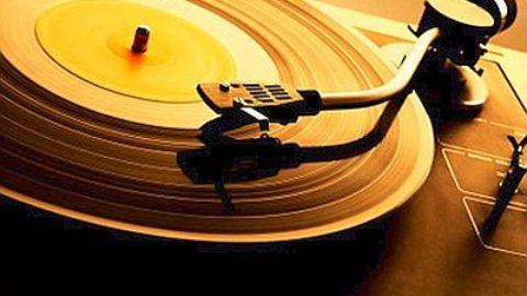 Tornano i dischi in vinile. Li comprereste per la vostra musica?