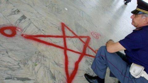 Fermare le sette sataniche