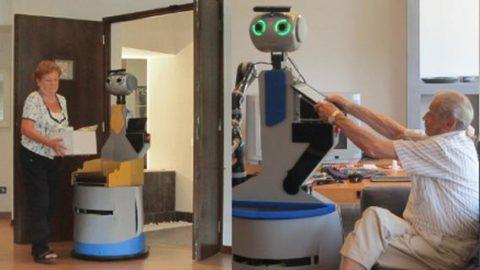 Badanti aiutate dai robot