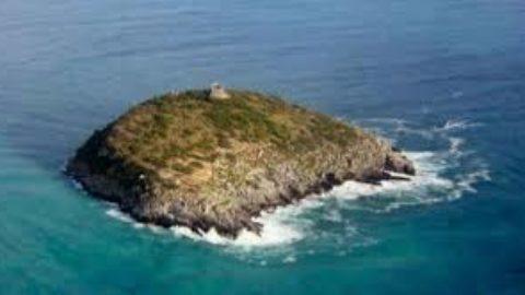 Basta vendere Isole agli stranieri!