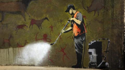Città scarabocchiate o muri di opere d'arte?
