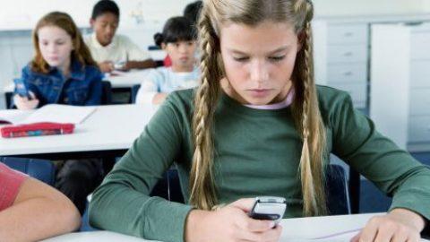 Smartphone in classe: si o no?