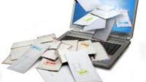 E-MAIL VS CARTA E PENNA