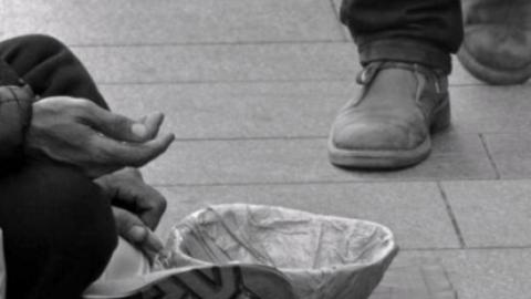 Finti poveri oppure veri bisognosi?