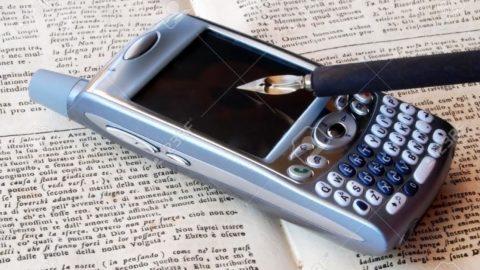 PER UN GIORNO RIUSCIAMO A DIRE BASTA AGLI SMS E USARE SOLO LA  PENNA?