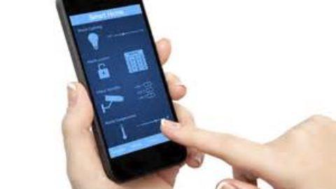 Si riuscirebbe a vivere anche senza smartphone?