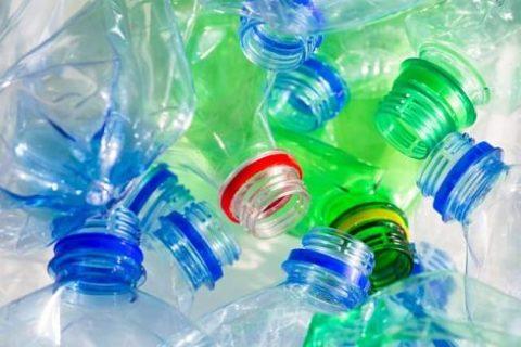 Diciamo no a un mondo di plastica