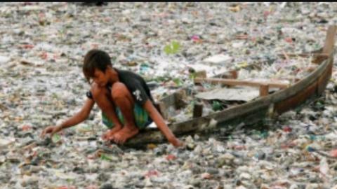 Eliminiamo la plastica dagli oceani!