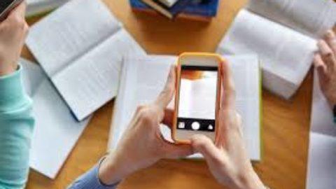 Pro e contro del telefono in classe