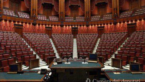 Tante parole e pochi fatti ; camera dei deputati vuota per il decreto sisma.
