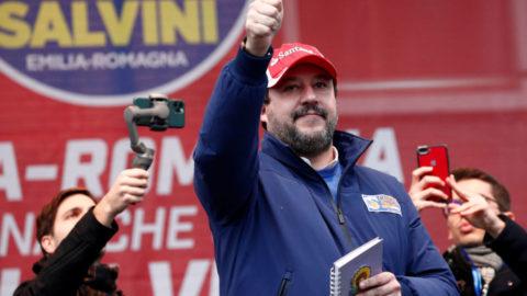 Salvini non chiede MAI scusa